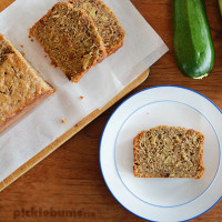 Zucchini and Pineapple Bread - an easy and delicious way to cook with zucchini