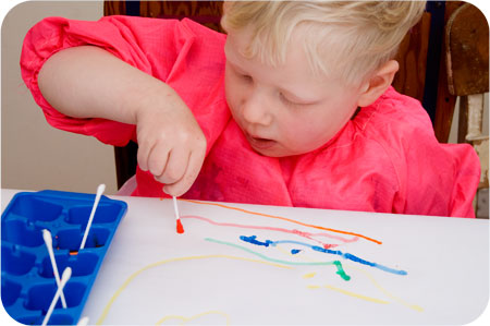We Play – Cotton Bud Painting.