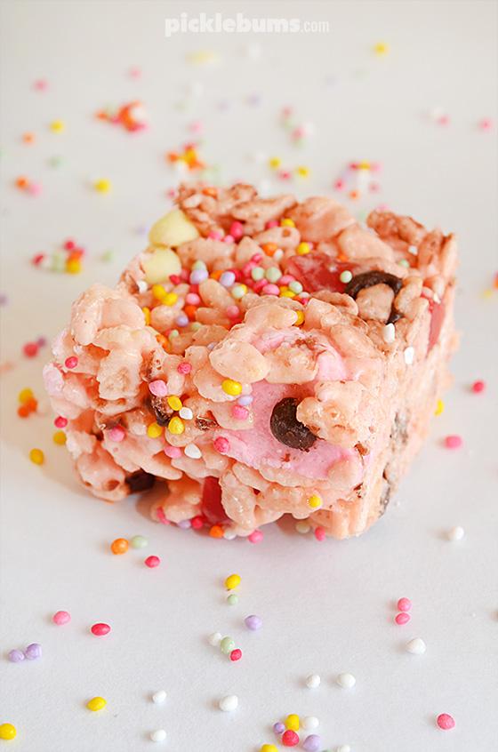 Fairy Fudge - a fun, rice krispie treat recipe the kids can make