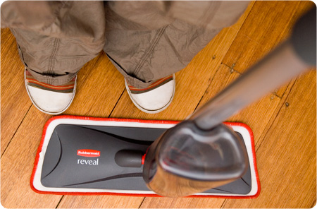 Post image for Rubbermaid Reveal Mop – Review and Give Away.