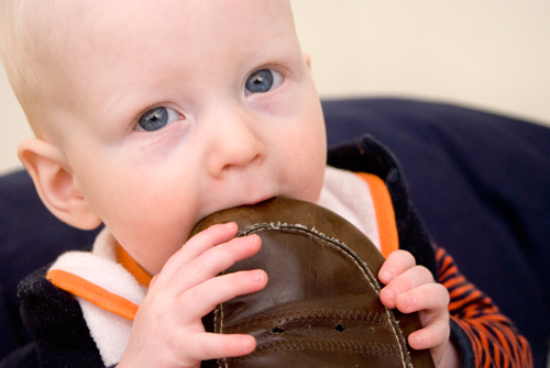 Burning Questions – Do You Let Your Baby Eat Stuff?