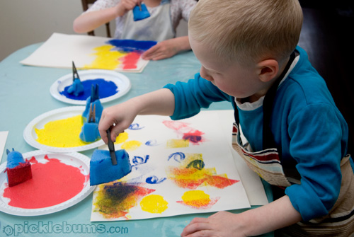 easy art for kids, sponge painting