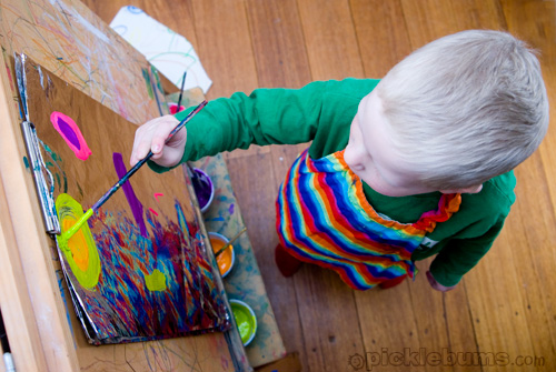 Easy art for kids painting on foil picklebums for Craft paint safe for babies