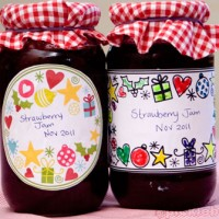 Free printable Christmas jar labels - colour your own and full colour versions