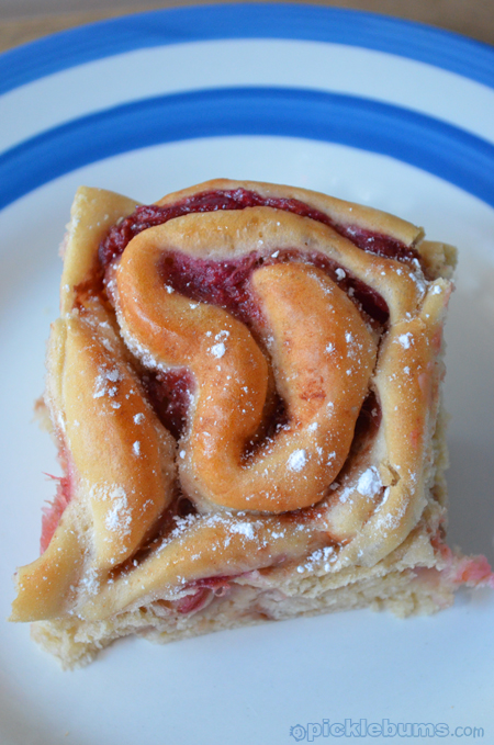 rhubarb and apple scrolls