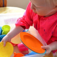 easy water play - washing dishes