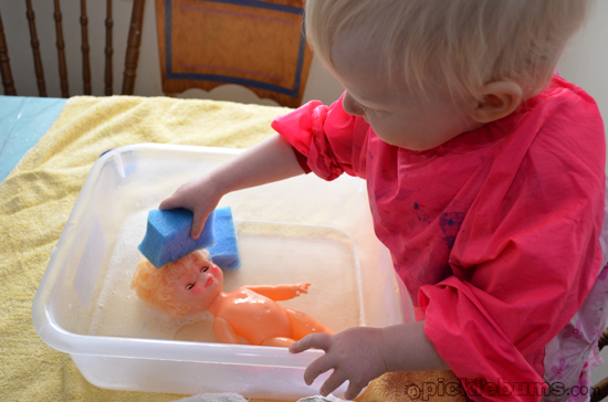 easy water play - doll washing