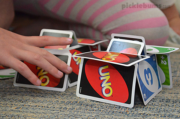Building a card house with Uno cards
