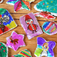 Easy Tin Foil Christmas Decorations