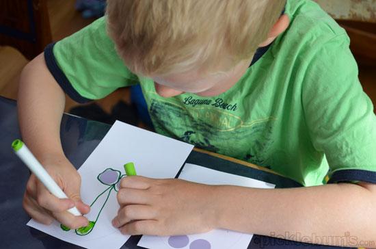 drawing finger leg puppets