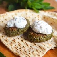 Green Burgers – Easy Felafel Style Veggie Burgers