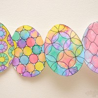 Make an Easy Easter Decoration.