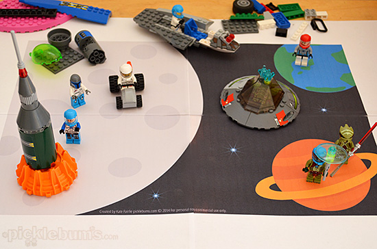 Free Printable Imaginative Play Mats - Frozen Land and Space Land!