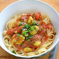 Easy tomato and broad bean (fava bean) pasta sauce.