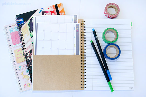 Get organised with a Brain Dump Journal - easier than a bullet journal! Plus a free printable A5 2015 Calendar to get you started.