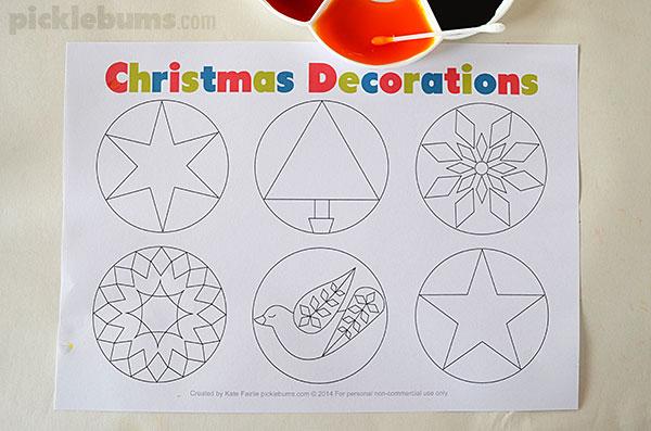 Make an easy Christmas garland with this free printable.