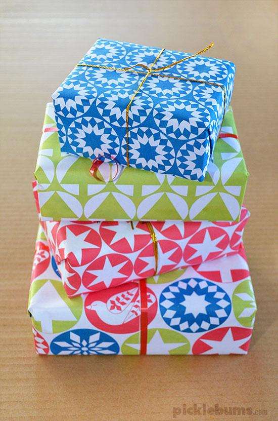 Free Printable Christmas Gift Wrap!