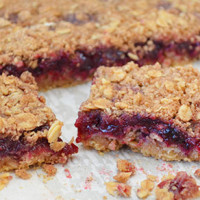 Oatmeal and Berry Bars