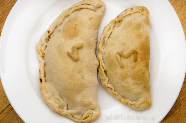 Homemade Pizza Pockets (Calzone) and easy. budget friendly, family meal