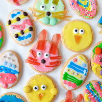 The easiest Easter cookies ever! No cooking, perfect for kids of all ages!