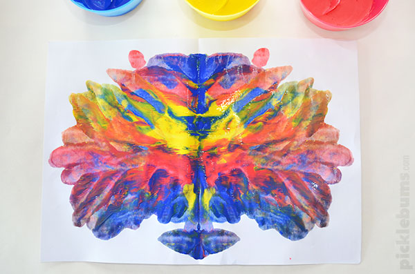 Squish Painting! An easy art activity that never gets old!