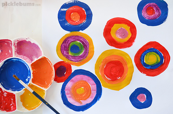 Colour Mixing - what kids learn from this simple process art activity