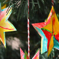 Simple Christmas Star Decorations - with free printable template and easy instructions