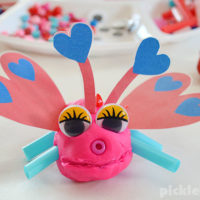 Love bug play dough! Use these free printable play dough accessories to make cute love bugs!