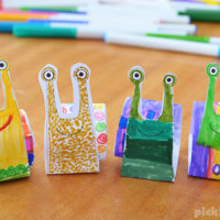 Make an Easy Rolled Paper Snail – free printable