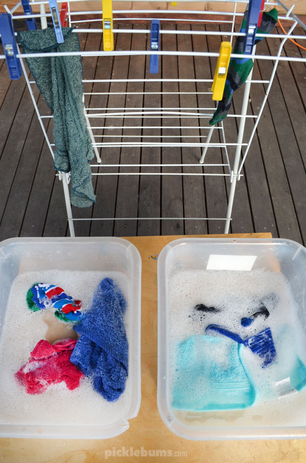 Easy Water Play Activities - washing clothes