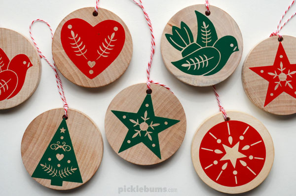 wood slice ornaments made with Cricut